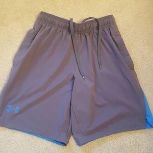 Under Armour boys athletic shorts sz med